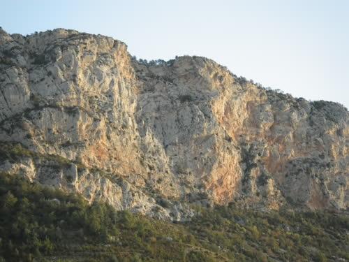 Vistas de la Serra de Sant Joan, la zona de la vía