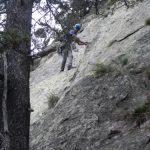 Descenso de la pared con cuerda fija